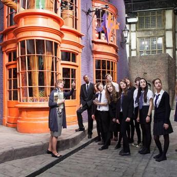 Ad IPSWICH con Estate INPSieme per scoprire i segreti di Harry Potter-wb-studio-tour_teacher_diagon_alley-345x345
