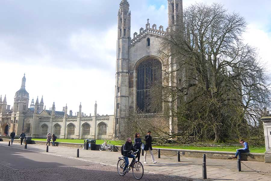 UK – CAMBRIDGE NEL CUORE DELL'ECCELLENZA UNIVERSITARIA -