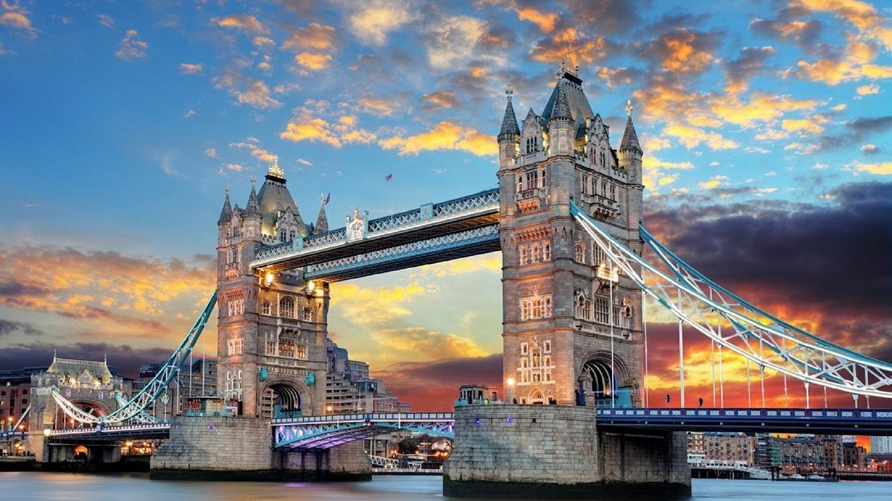 Carta del docente: formazione – corso di lingua inglese a Londra-TOWER-BRIDGE