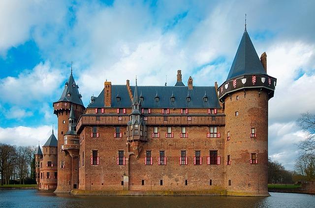 castle-de-haar-1904287_640