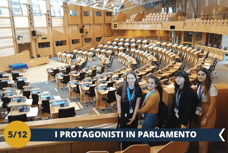 Visiterete ilPARLAMENTO SCOZZESE, simbolo recentissimo del desiderio di indipendenza della Scozia. Inserito in un modernissimo edificio ed alquanto controverso, è uno dei parlamenti più giovani d'Europa, nato dopo il referendum del 1997.(escursione mezza giornata)