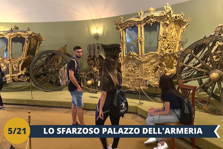 Vi sorprenderete nel visitare il PALAZZO DELL'ARMERIA (INGRESSO INCLUSO), all'interno del quale è ospitato uno dei più famosi musei di Arti Applicate di tutta la Russia. È ubicato ALL'INTERNO DEL CREMLINO della capitale, la parte più antica della città. Un museo di fama mondiale dove potrete ammirare centinaia di preziose opere d'arte. (escursione di mezza giornata)