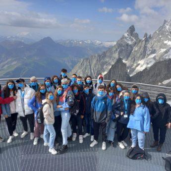 Valle d'Aosta Archivi - Giocamondo Study-TH-PILA-VALLE-DAOSTA-AI-PIEDI-DEL-MONTE-BIANCO-SVIZZERA.-TURNO-III-GIORNO-12-345x345